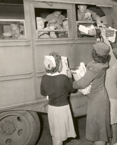 WWII, 1942 Recreation Workers at Union Station